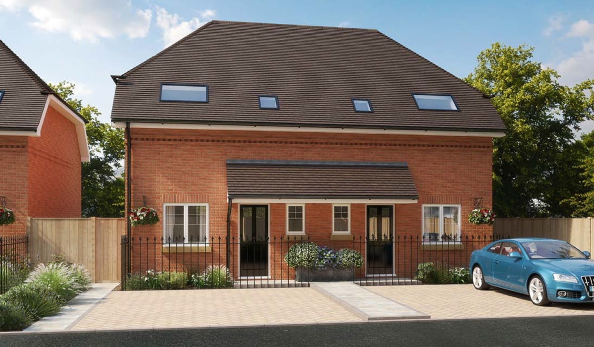 New homes for sale in surrey a new development of six for Modern homes uk for sale