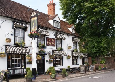 Ye Olde Kings Head pub in the College area of Epsom